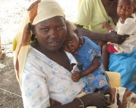 Mother_with_child_in_the_Jamam_refugee_camp_in_South_Sudan