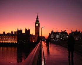 Westminster_Bridge_at_five_to_six