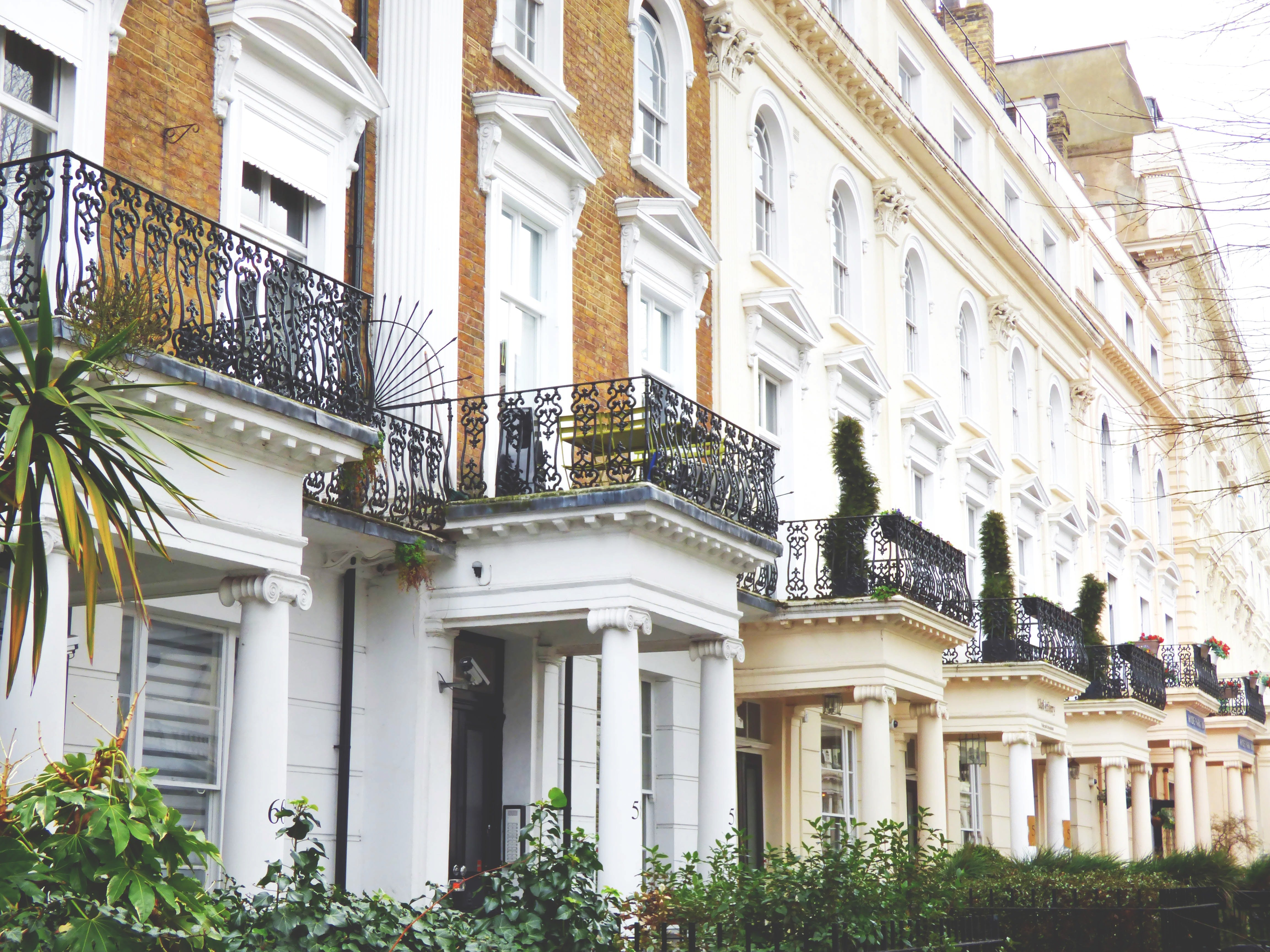 The Pros & Cons Of Investing In Property