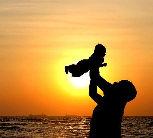 child_in_sun-med