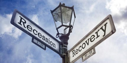 lamppost-recession-recovery-signs