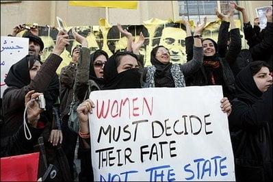 woman-decide