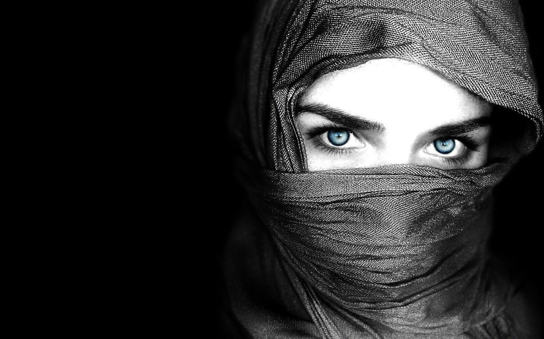 women-veil_00247177